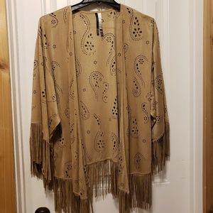 Light jacket with fringe